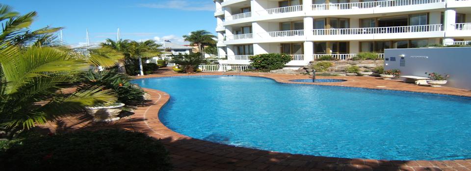 slide show no 1 called Les Colonnades Pool